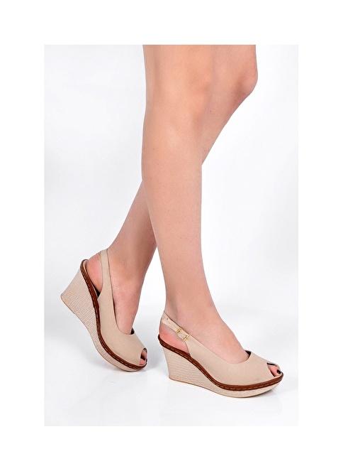 Sapin Dolgu Topuklu Sandalet Bej